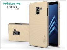 Samsung A530F Galaxy A8 (2018) hátlap képernyővédő fóliával - Nillkin Frosted Shield - gold