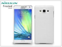 Samsung SM-A700F Galaxy A7 hátlap képernyővédő fóliával - Nillkin Frosted Shield - fehér